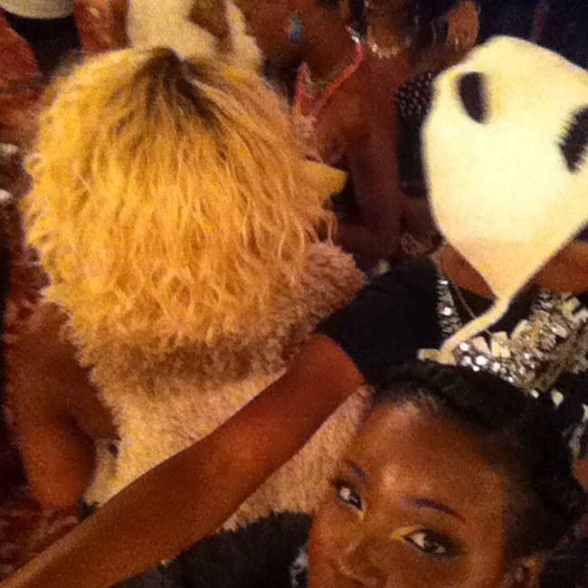 It was a lil crazy back stage. Models everywhere❗️❗️ 4seasonsOfFashion AllieKats Justrockitdesigns