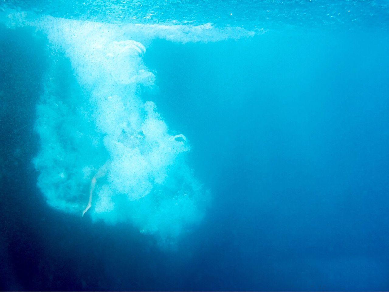 Bubbles In Undersea