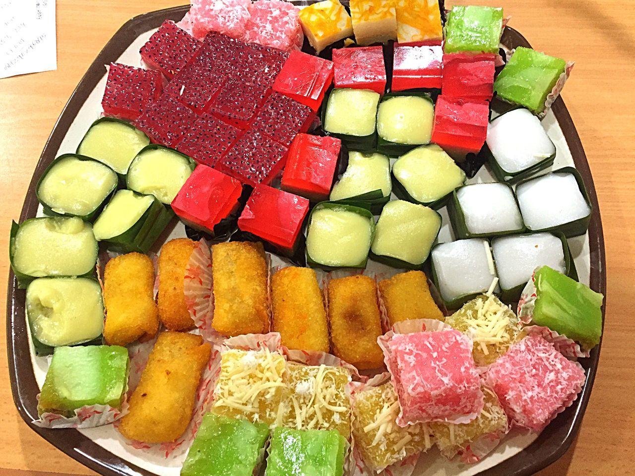 So colourful .... Cakes Taking Photos Colourful Birthday Cakes Yummy Yummy Colourful Taste Rainbow