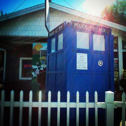 Found it. The Doctor's Box. Doctorwho Policecallbox Thebluebox Tardis