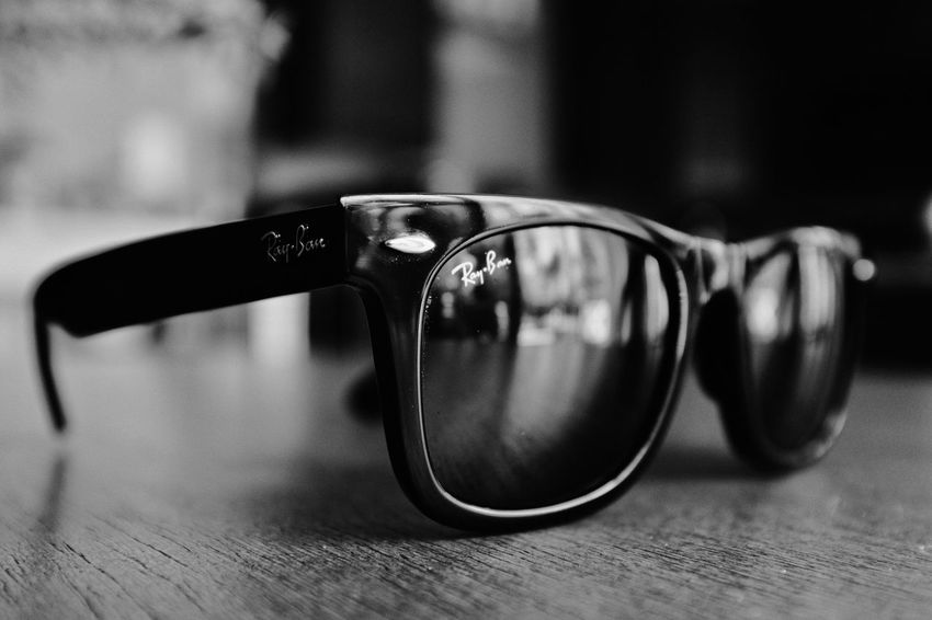 Rays Sunglasses Table Eyewear Eyeglasses  Reflection Surface Level Vision Wood - Material Eyesight No People Indoors  Close-up Day