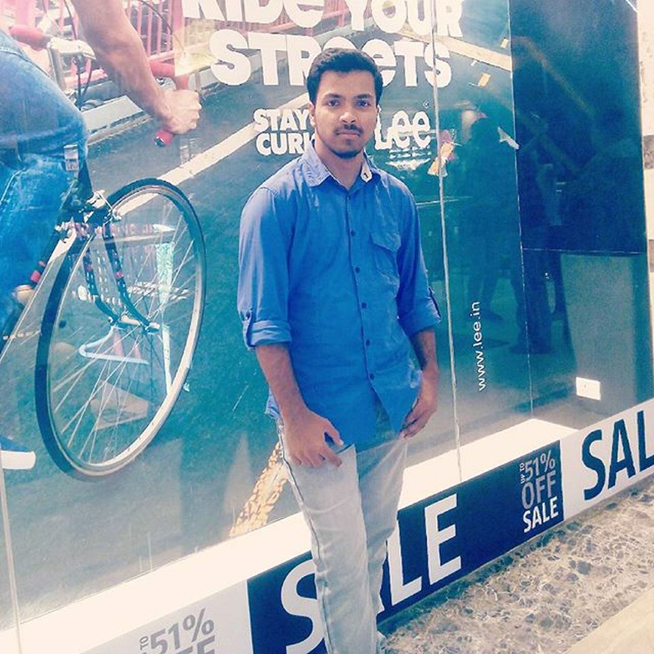 Gaurcentralmall Ghaziabad Mee Blue_my_favourite 😘😘 amazing_day 😉👌