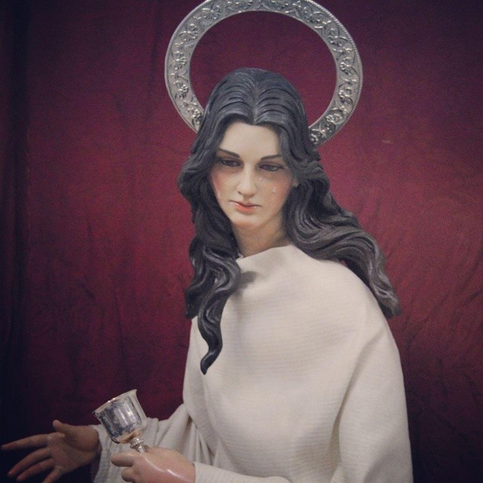 Todo cucurucho tiene su novia... yo me enamore de ella el dia de hoy... en su festividad... Santa Maria Magdalena. BeautifulMary DevocionyFe Sevilla JesusCepeda