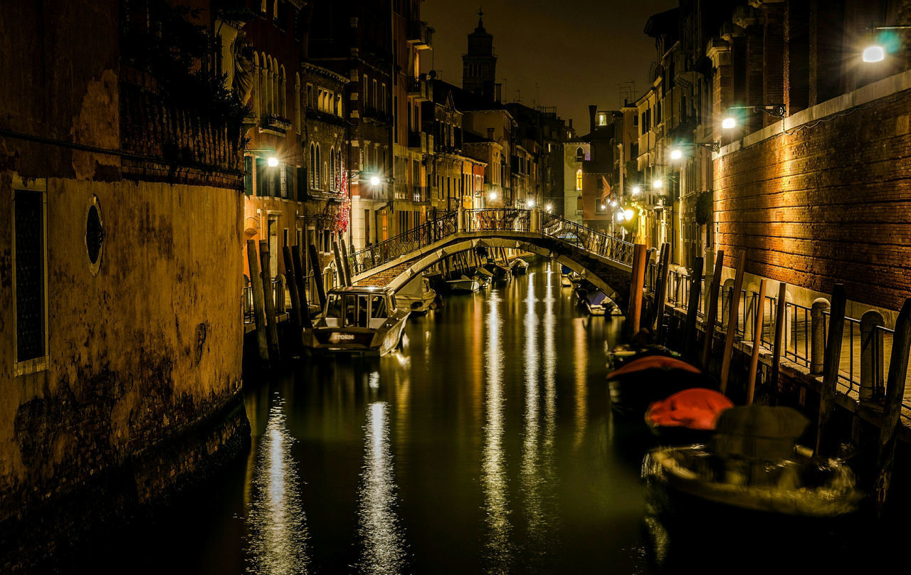 Night Illuminated City Transportation Architecture Travel Destinations Water Outdoors No People Cityscape Gondola - Traditional Boat Street Light Hard Beauty Live Dream Lovely Light Photo Fuji X-T1 Gildo Masini Venezia Holidays Italia