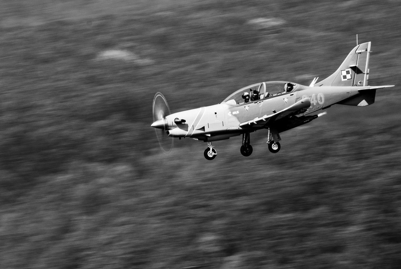 Airshow Aviation Blackandwhite Landing Movement Orlik Prop Plane Speed