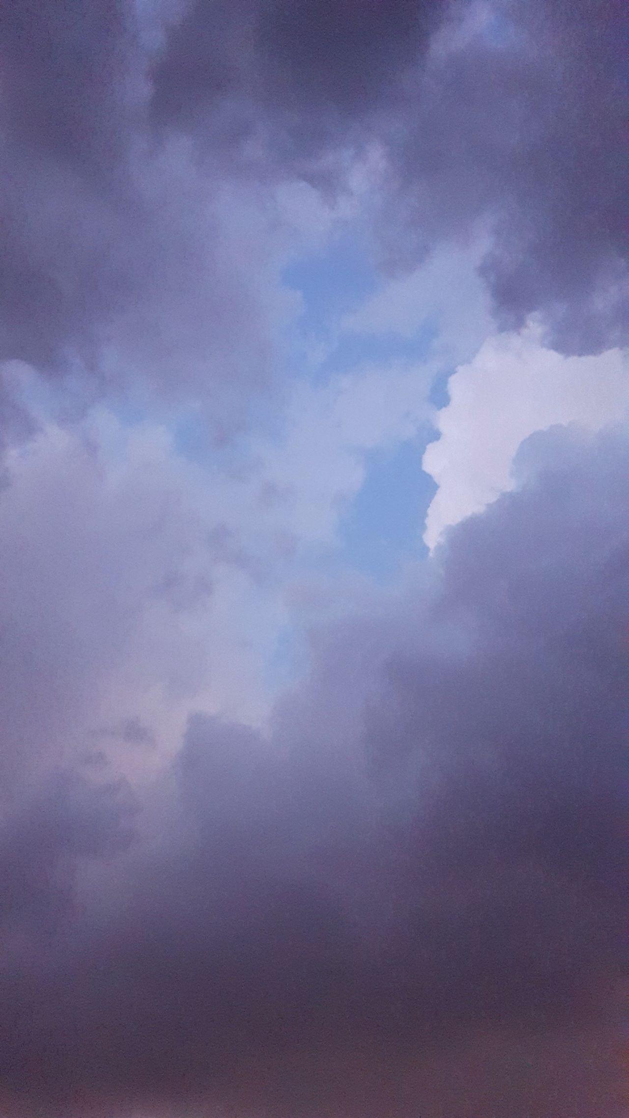 مطر💧☁ Sky Purple Cloud - Sky Backgrounds Nature No People Qatar Airways Qatar Qatarphoto1 Full Frame Beauty In Nature Outdoors Galaxy Day