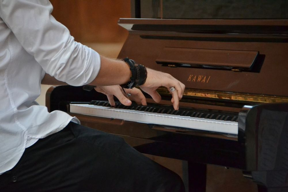 Musical Instrument One Man Only Music Piano Human Hand One Person Playing Skill  Pianist Human Body Part Occupation Musician Classical Music Kawai Music Eyem Music Lover