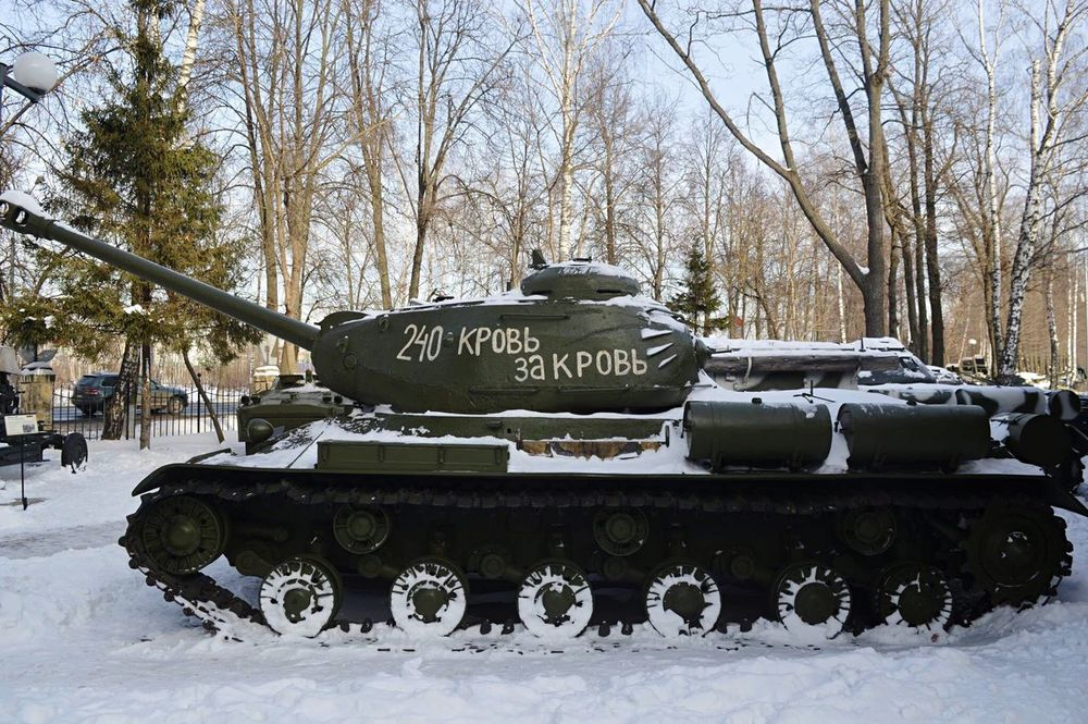 Military Mode Of Transport Land Vehicle Snow Cold Temperature Winter War Army Weapon Fighting Millitary Weaponsofwar Conflict Armed Forces Armored Vehicle Tank