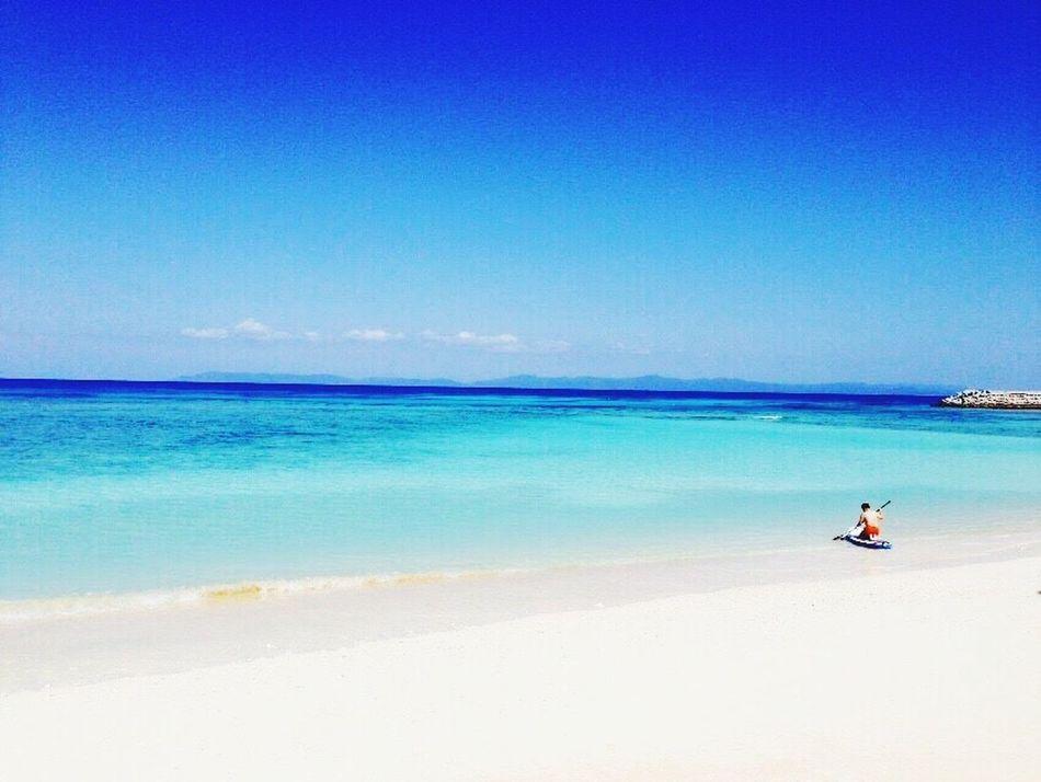 八重山諸島 沖縄 離島 Haterumajima Okinawa OKINAWA, JAPAN Travel Sea Blue Beach Scenics Beauty In Nature One Person Sand Horizon Over Water Outdoors Sunlight Leisure Activity Vacations Real People Day Tranquility Tranquil Scene Full Length Sky