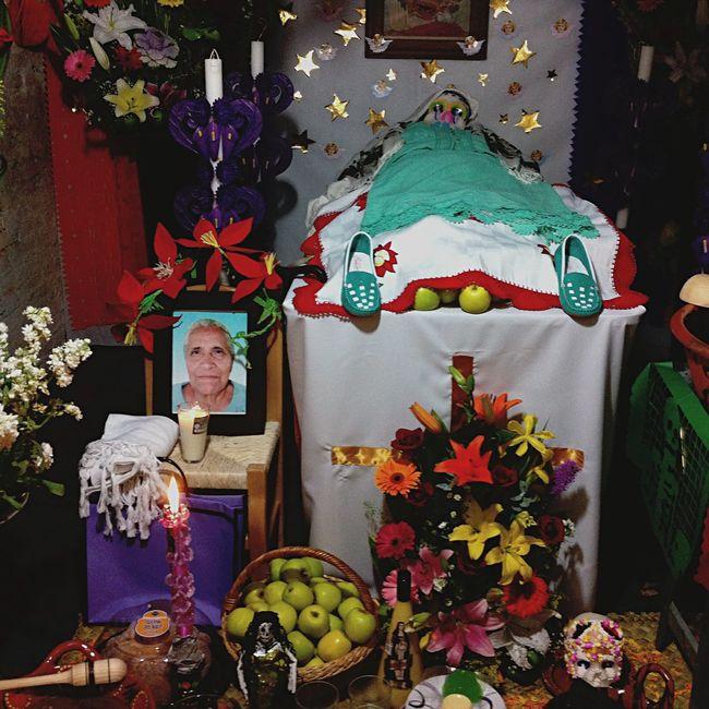 Ofrenda nueva en Ocotepec, Morelos. Mexico