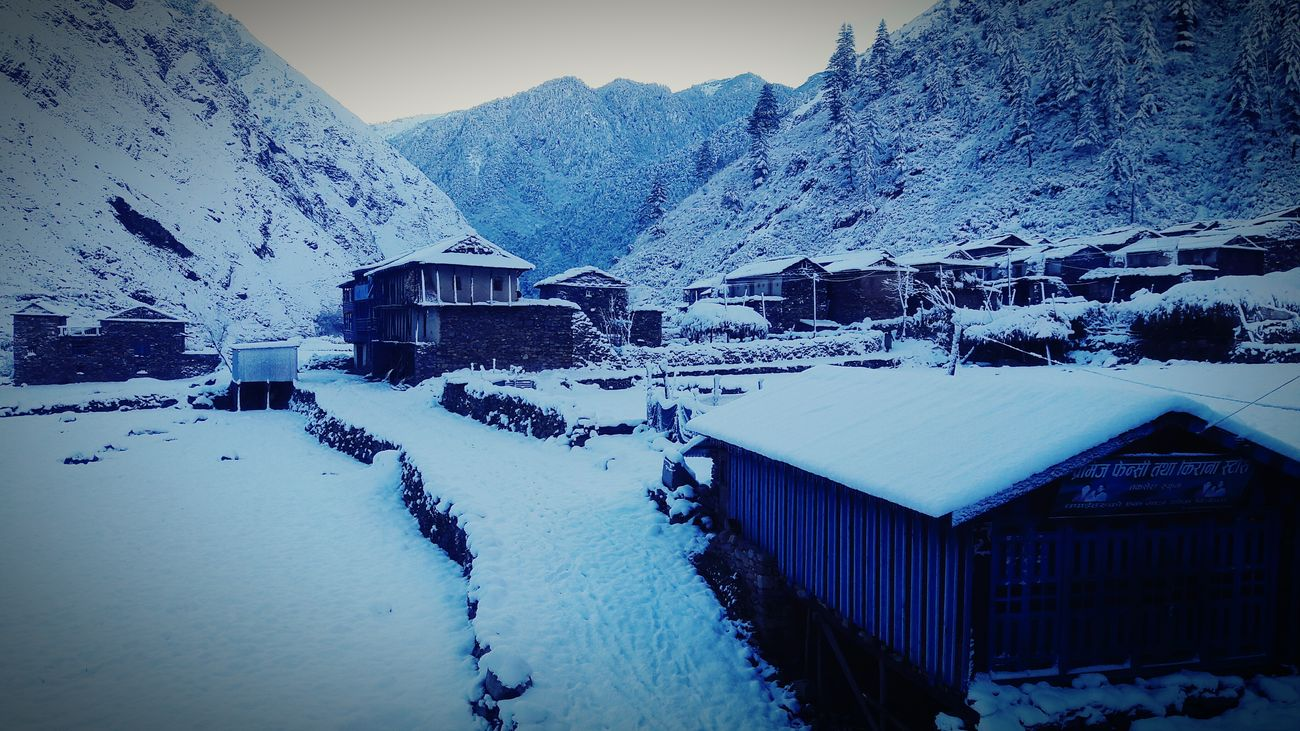 House Cold Temperature Snow Winter Nature Beauty In Nature Snowing Travel Destinations Weather NEpal😍😍😍Snowing😍😍 First Eyeem Photo Mobilephotographyph Village House Snowing Day Backgrounds Nepal_himalayan_kingdom EyeEmNewHere
