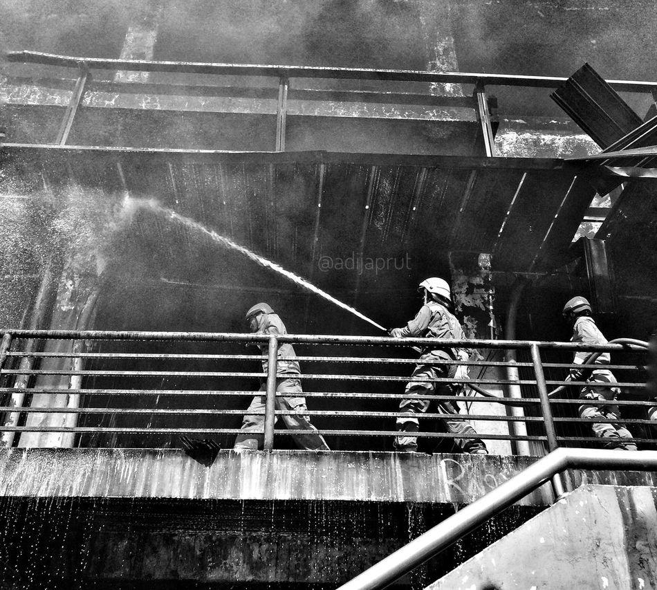 Let's kill the fire Firefighters Firemanatwork Mans Teamwork