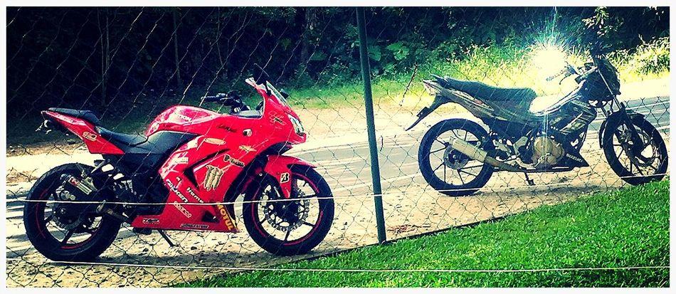 """Same blood, same passion."" ride with cousin. First Eyeem Photo NINJA250R Raider R150 Born To Ride"
