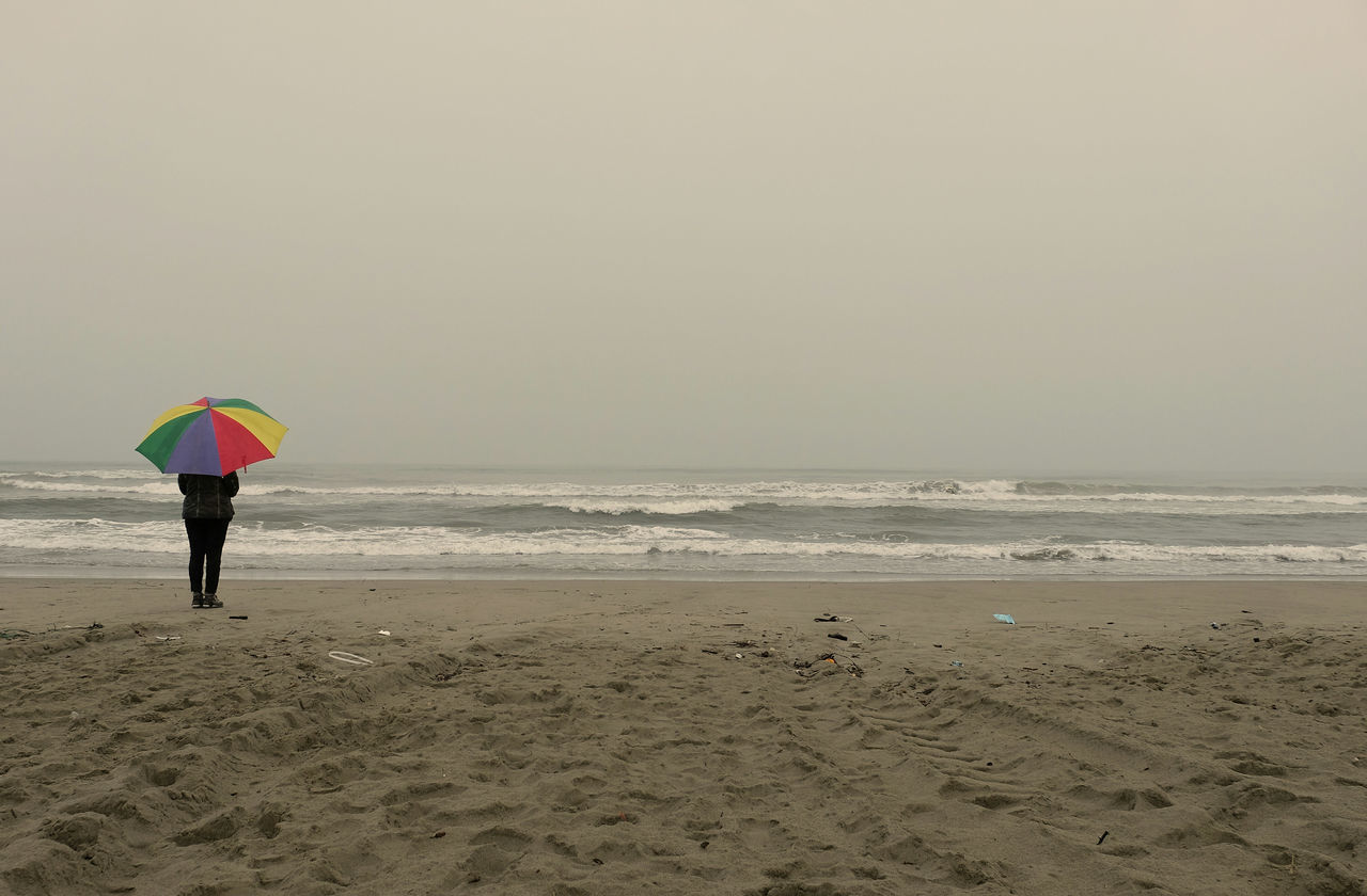 Beach One Person Fog Adult Outdoors Sea One Woman Only Day Nature Real People Light Photo Sunlight ☀ Dream Gildo Masini Fuji X-T1 Umbrella Italia Tuscany Eyem Vision Nikon Colors