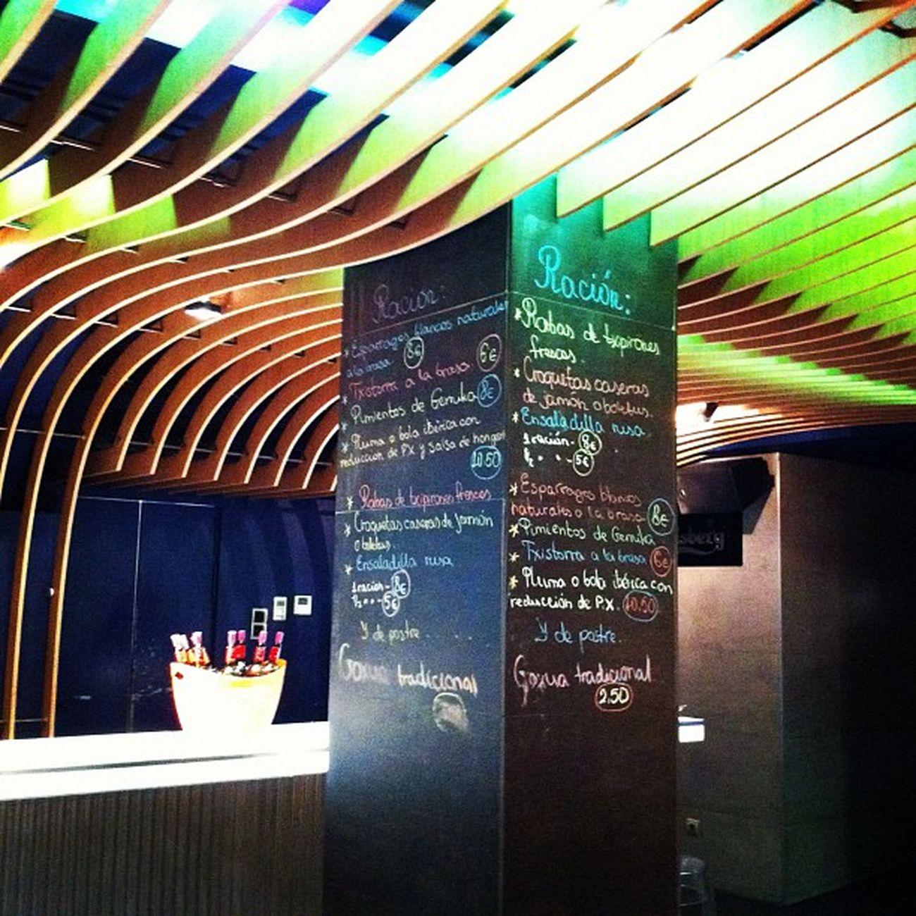 Esta noche, el Wine Up Tour llega a Vitoria, a Restaurante Zabala