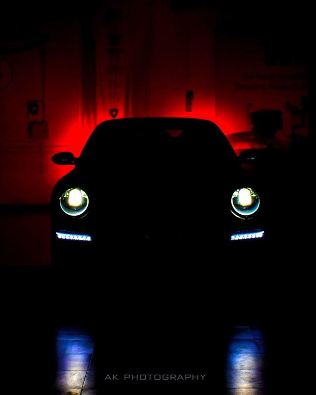 Porsche Uberwerkstatt More pics coming soon.. •• Porschemotorsport Porscheindia Autogespotindia Porscheclassics Automobiliardent Porschelife Carlifestyle Carsinstagram Thegermancarguy Petrolheadz Carsindia Automotivation Petrolheadz APA .photo Porschesphotopage