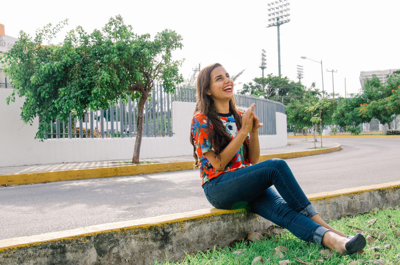 Beautiful stock photos of mexico, 20-24 Years, Built Structure, Cancun, Casual Clothing
