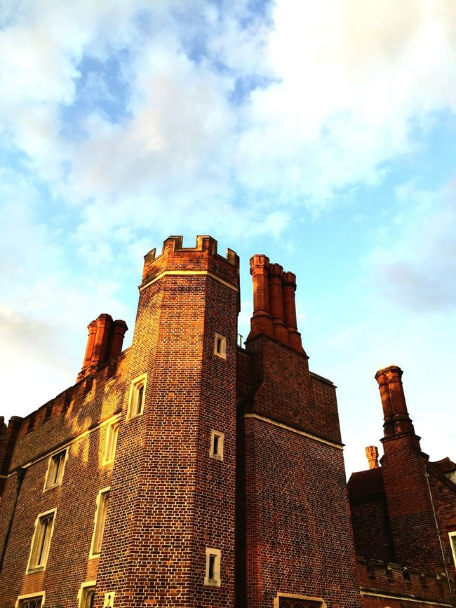Seeing The Sights Hampton Court Palace Dramatic Decorative Structure Decorative Brick Wall Chimneys Henryviii Palace