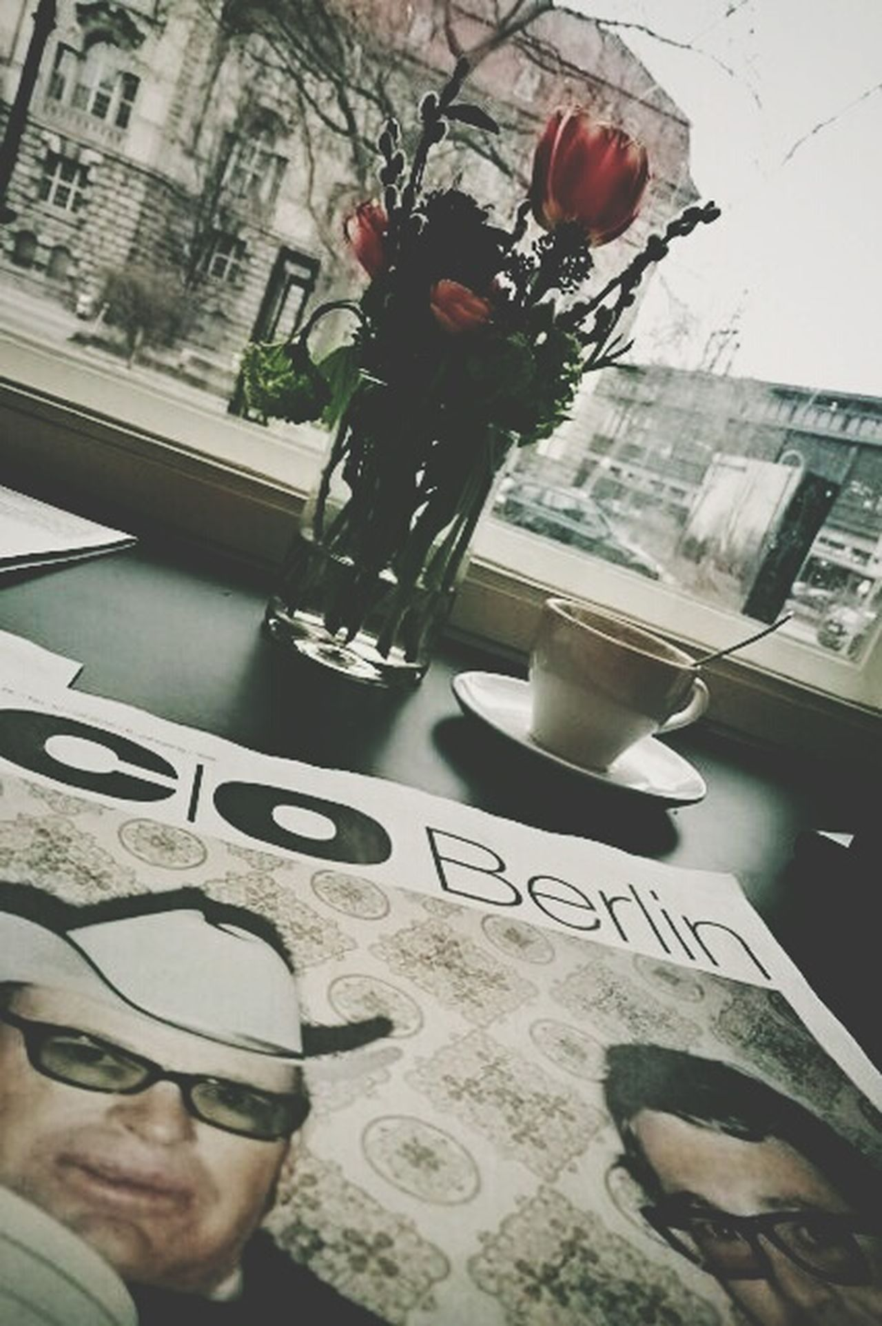 Coffee Time Rainy Days Relaxing Reading Stephen Shore Berlin Week On Eyeem Kaffee Und Kuchen Cozy Place Always Be Cozy