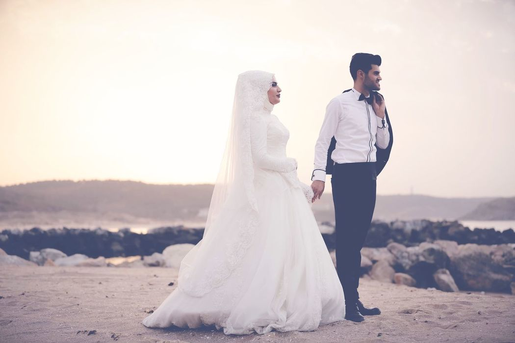 Wedding Dress Bride Wedding Bridegroom Love Togetherness Wife Married Heterosexual Couple Two People Life Events Newlywed Husband Dedication Young Adult Beginnings Adults Only Romance Young Men