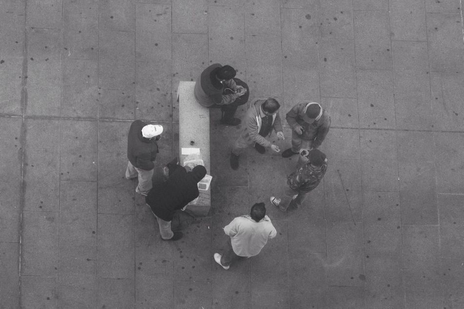 Lunchtime in Milan Directly Above People Bnw Lunch Museodel900 Museum Real People Everyday Lives Reality Lombardia Italy Dramatic Angles Monochrome Photography ShareTheMeal