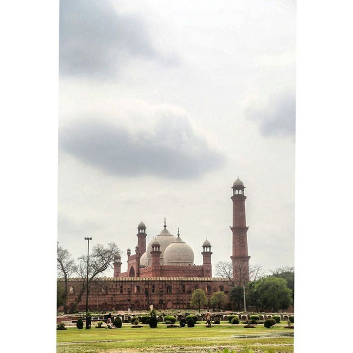 BadshahiMosque Lahore Mypakistan Faryabshah sky clouds mosque trip tourism