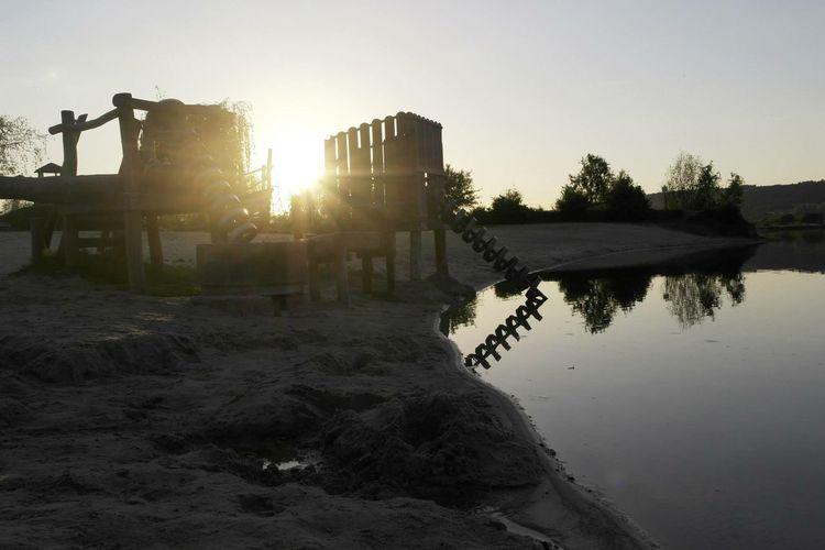 See Wasser Water Lake Holz Spiegelung Spielplatz Sun Sunset Outdoors (null)Architecture Sky No People Clear Sky Tree Building Exterior Nature Idyllic Werratalsee Spielen Sonnenuntergang Sonne