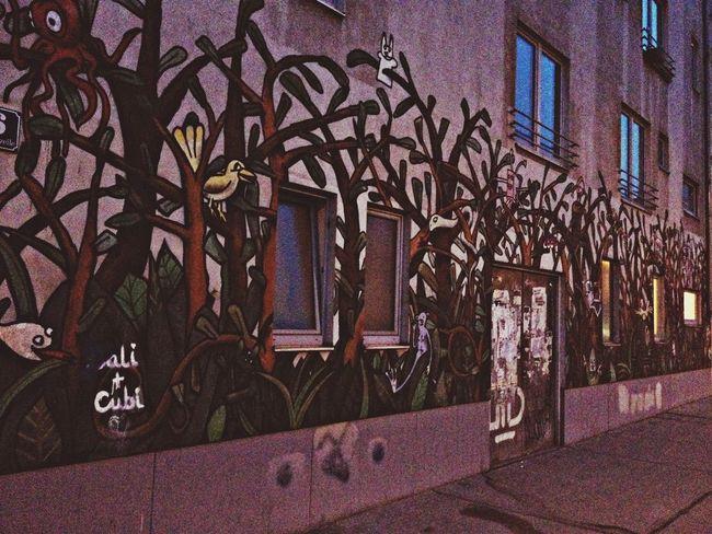Grafitti Vienna The Minimals (less Edit Juxt Photography)