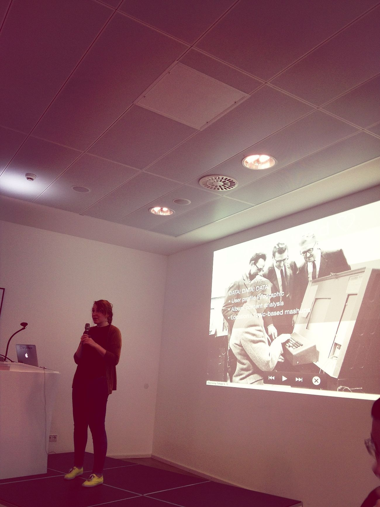 .@marymarrry explaing the @eyeem API