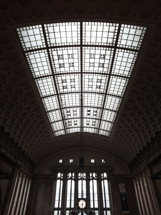 Leipzig Leipzig Hauptbahnhof Taking Photos Check This Out Hello World Hi! Architecture Train Station Clock Entrance Hall Ceiling Ceiling Design Ceiling Window Architecture_collection Impression Leipzigtrip Leipzighauptbahnhof