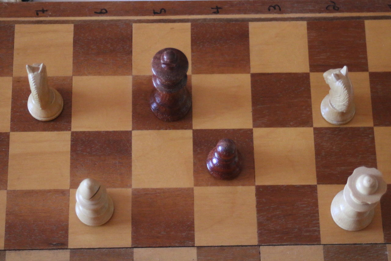Chess Chessboard Elevated View Flooring No People Pattern Pieces Perfect Match Schachbrett SCHACHMATT Side By Side Still Life Tile Tiled Floor