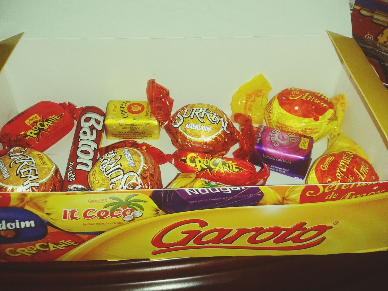 feeling brazillian gessh, say Hi to Garoto Special Brazilian Sweets :D