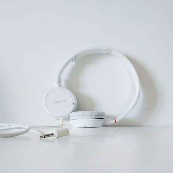 Studio Shot Archival No People White Background Indoors  Headphones EyeEmNewHere Headphone Jacks Music Sony Lieblingsteil