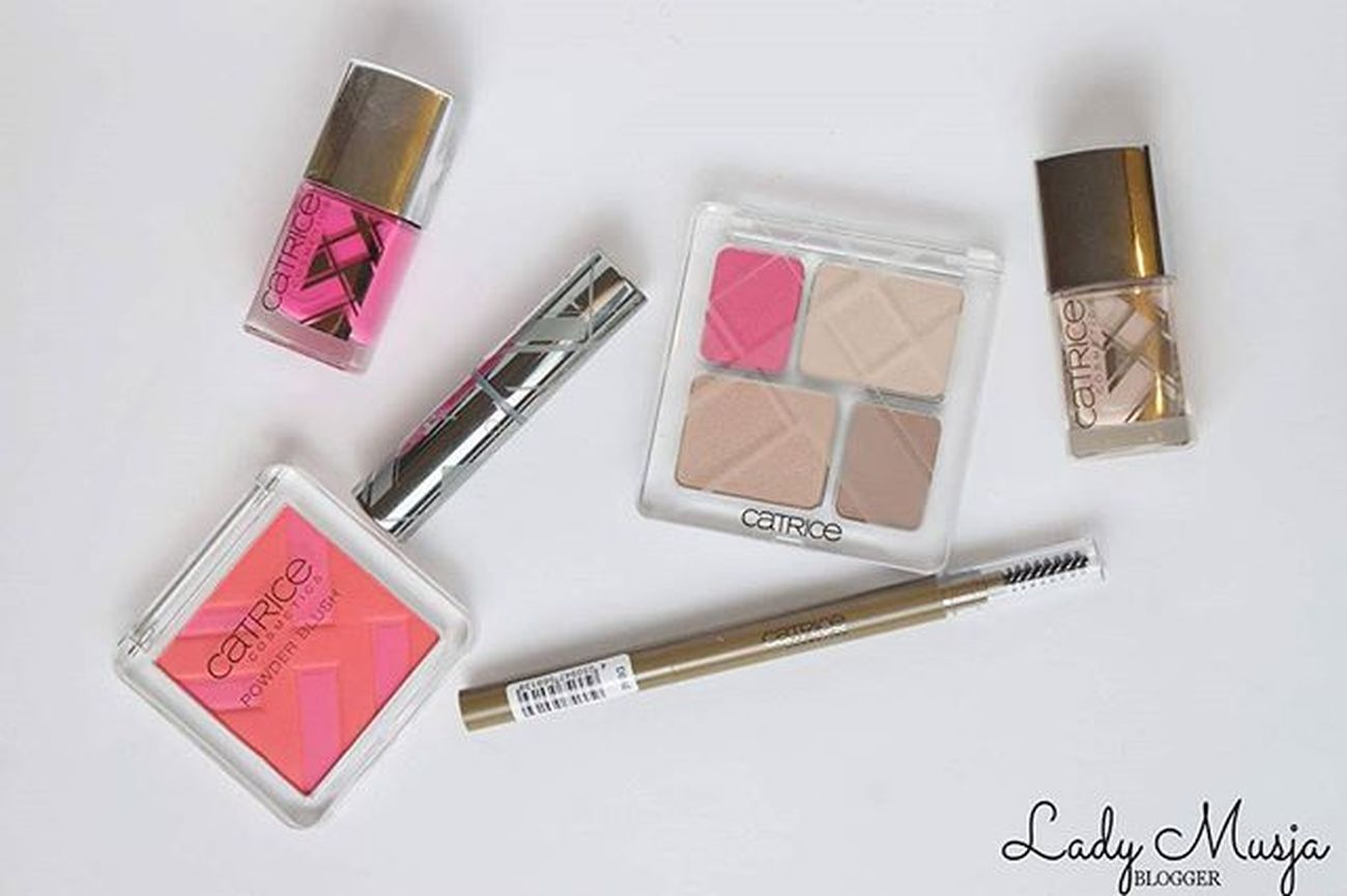 Meine Review zur Graphic Grace by @catricecosmetics_ online link in der Bio. Makeuplover Makeupartist Makeupblogger Eyeshadow Quattroeyeshadow Naillaquer Nailsofinsta Nailpolish Eyebrowpen Lipstick Mattlipstick Catrice Catricecosmetics Prsample Productoftheday Review Swatches Bbloggers Beautyblogger_de Graphicgrace Blush Fuchsia Nude Pink Limitededition le