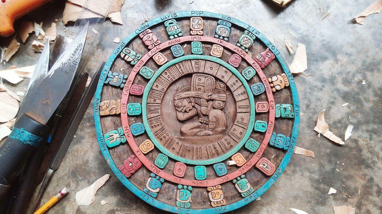 Trabajo Esfuerzo Dedicacion Amor Pasión  Compromiso Artesanias Mexicanas Raíces Tiempo Historia Calendario Maya