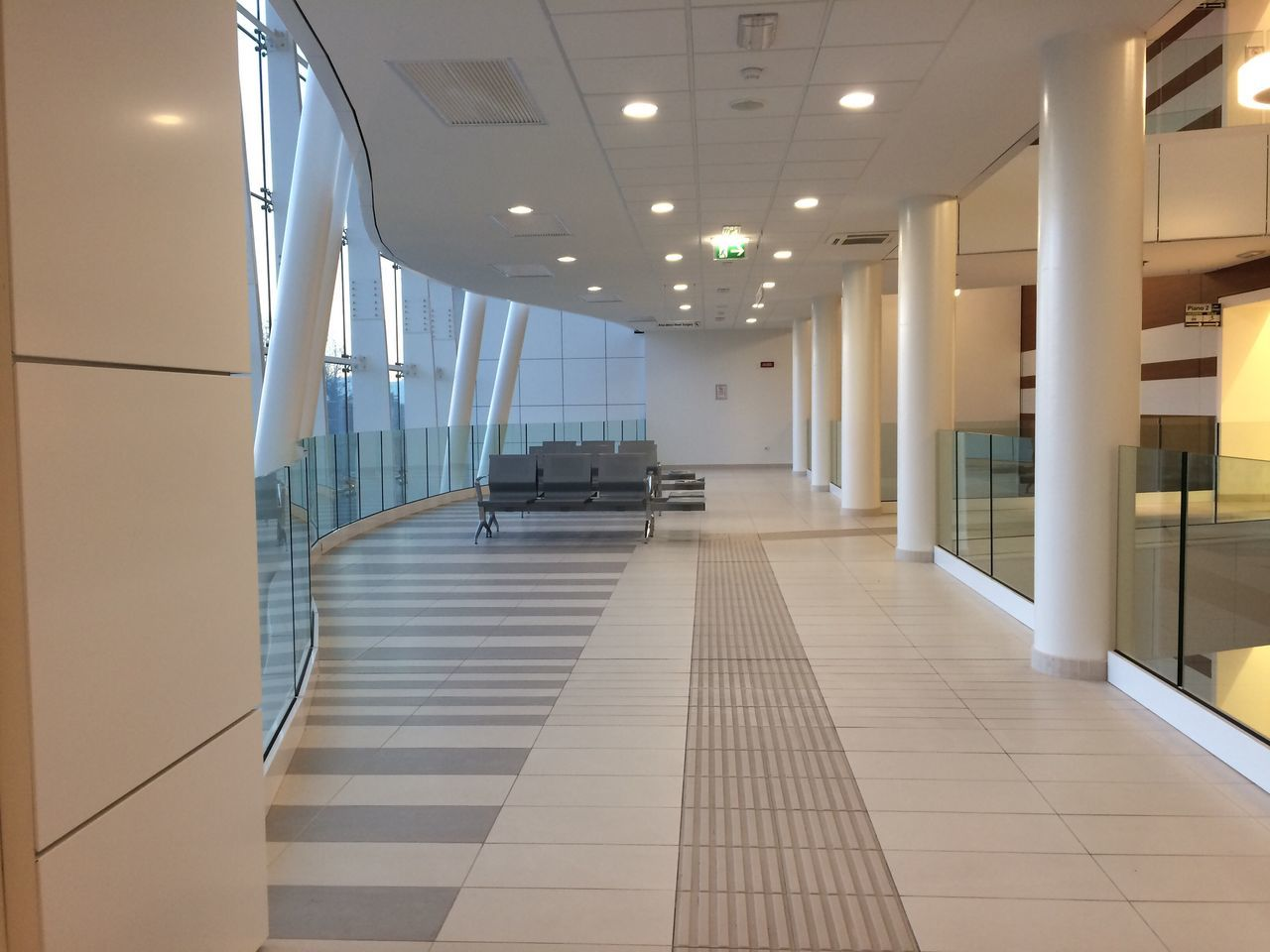 Indoors  Architecture Modern No People Hospital Built Structure Architecture Ospedalimoderni Architettura Moderna
