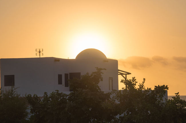 Sunrise behind Domed Building Architecture Building Exterior No People Orange Color Outdoors Sky Sun Sunrise Sunrise_Collection Sunrise_sunsets_aroundworld