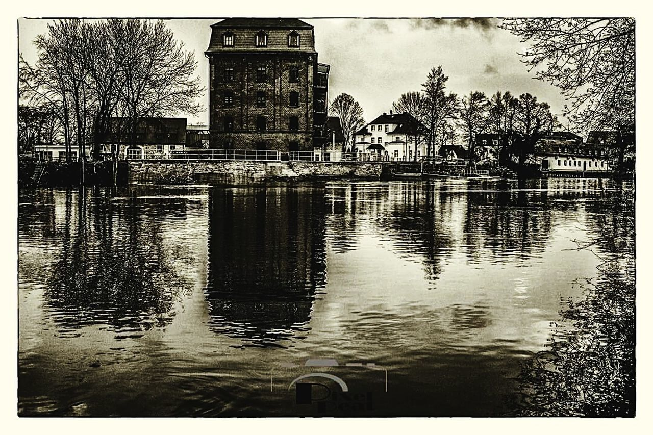 Auto Post Production Filter Reflection Building Exterior Architecture Built Structure Outdoors Tree No People Water Nature Photography Landscape_lovers Landscape_photography Langzeitbelichtung Canon600D Beauty In Nature Landscapephotography @pixelpeat Canonphotography Blackandwhitephotography Black And White Collection  Black&white Old Adapted To The City