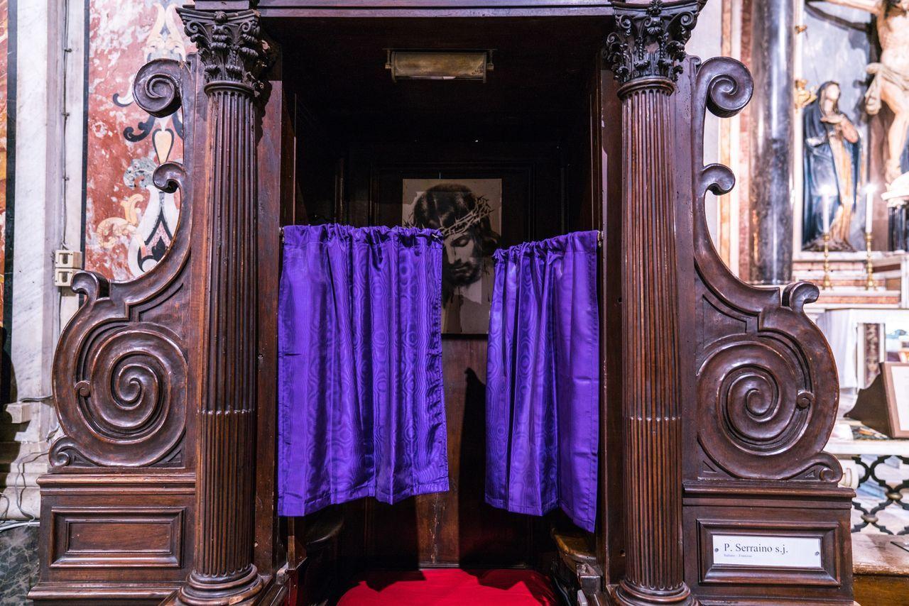 Shameless. Door Curtain Architecture Wood Confession Jesus Shameless Curtains Purple Church Religion City Italy❤️ Italia Italy Bella Italia Napoli Naples Interior Design
