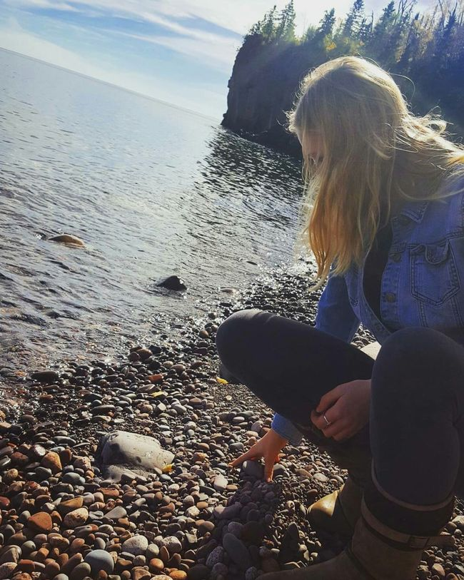 Tranquil Scene Water Beauty In Nature Coastline Long Hair Enjoyment Nature Outdoors Casual Clothing Vacations Waterfront Blue Skies Making Waves Minnesota Lake Minnesota Nature Fall Beauty Cabin Life Lake Superior Lake Life DuluthMN Rocky Pebble Beach Stone - Object Friends ❤ Photoshoot