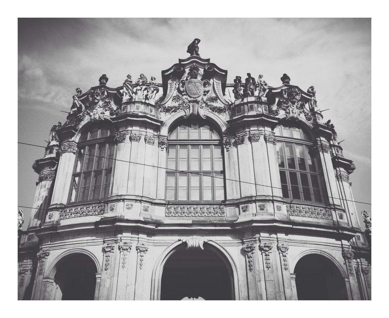 AMPt - Still Life (Nature Morte) Blackandwhite Black And White Building Dresden - Barock Statt Beton Barock Dresden