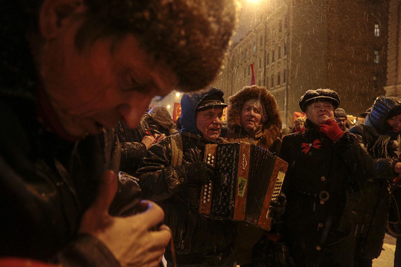 Saint Petersburg Street Streetphotography Communists 7 November Russia Observecollective