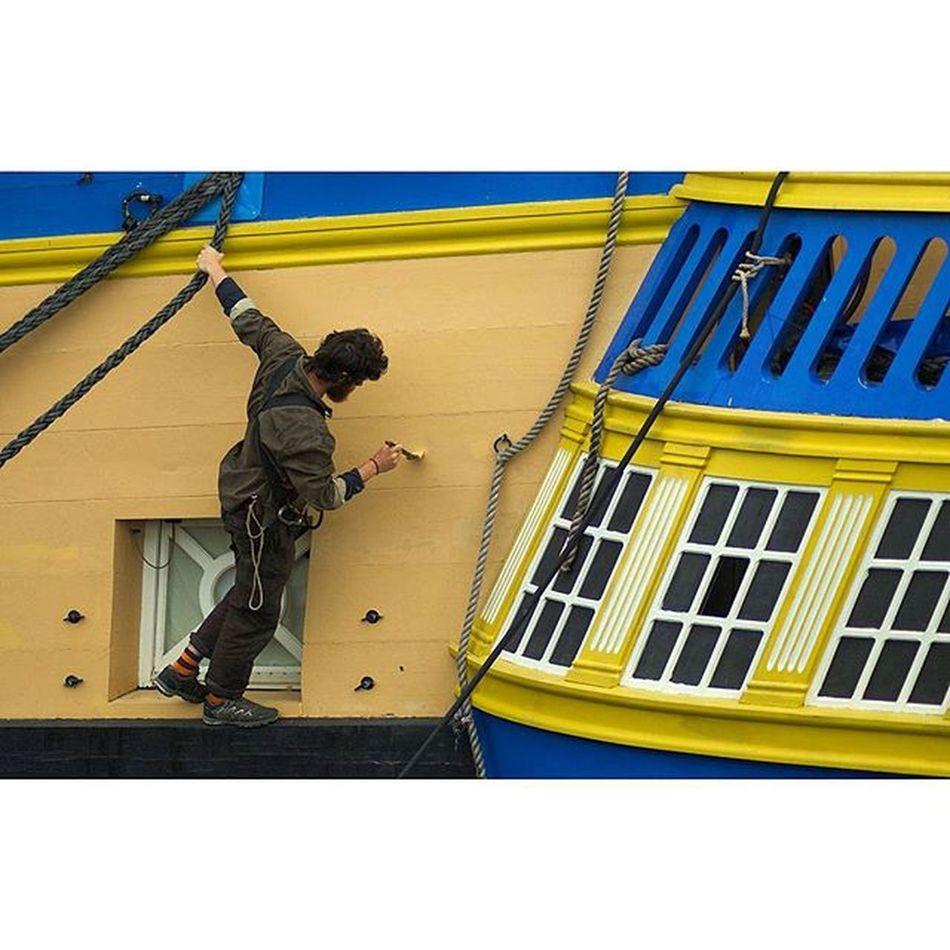 Retouche... Hermione Fregate Port Bretagne brest voilier bateau jaune bleu finistere igersbretagne igersfinistere grainedenature