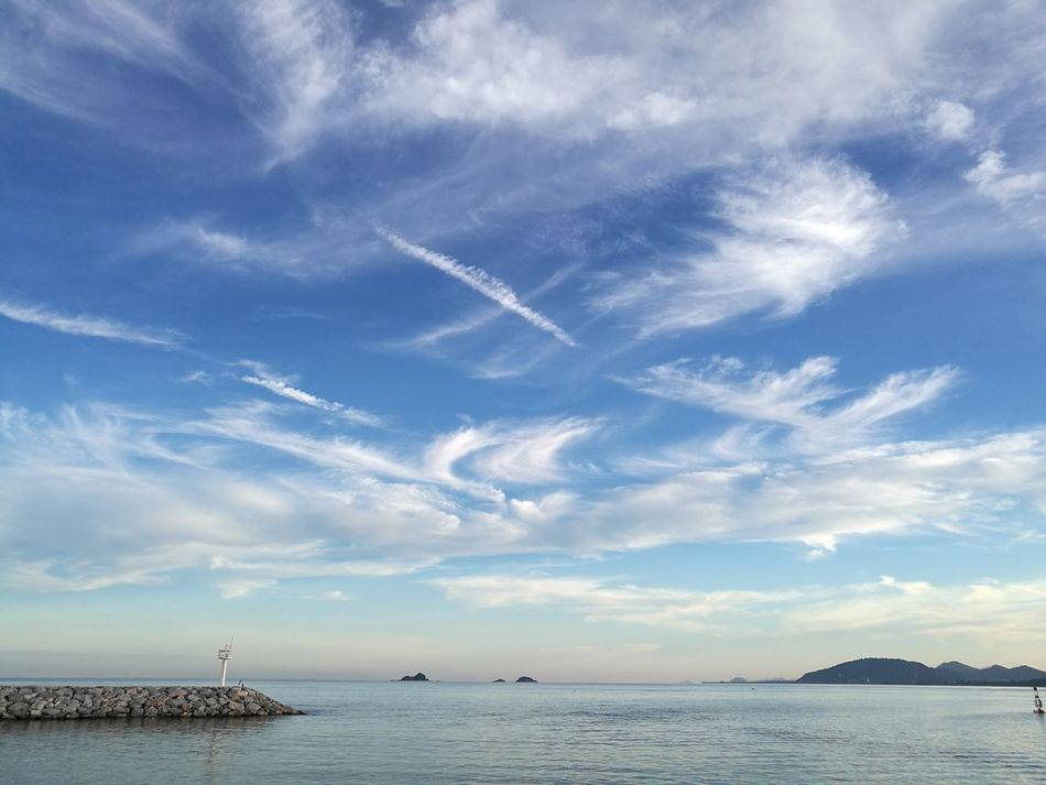 Big Sky Sky Outdoors Scenics Horizon Over Water Nature Huahin Thailand Cloud Formations Thailand Cloudscape Clouds Big Clouds Travel Dramatic Clouds Seascape Blue Sky Thailand Beach Beach Before Sunset Huawei P9 Plus Dual Camera LandscapeSunny Day☀ Sunny Afternoon Tropical Beach Tropical Seas
