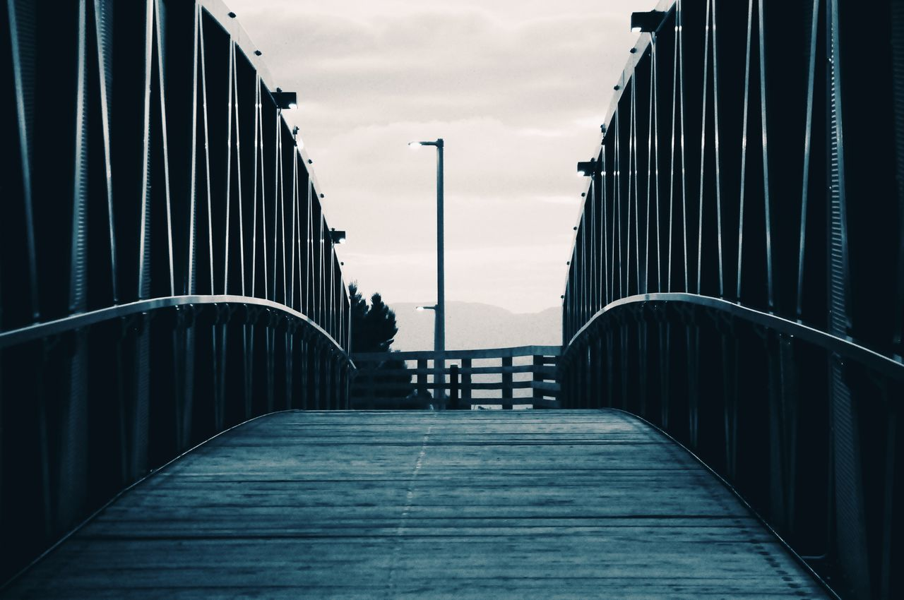 Pedestrian bridge in tonality. (Puente peatonal en tonalidad.) Bridge Pedestrian Tonality Architecture Patterns Bluish Evening Puente Peatonal Tonalidad Arquitectura Patrones Azulado Anochecer Welcome To Black The Secret Spaces Break The Mold The Architect - 2017 EyeEm Awards BYOPaper!