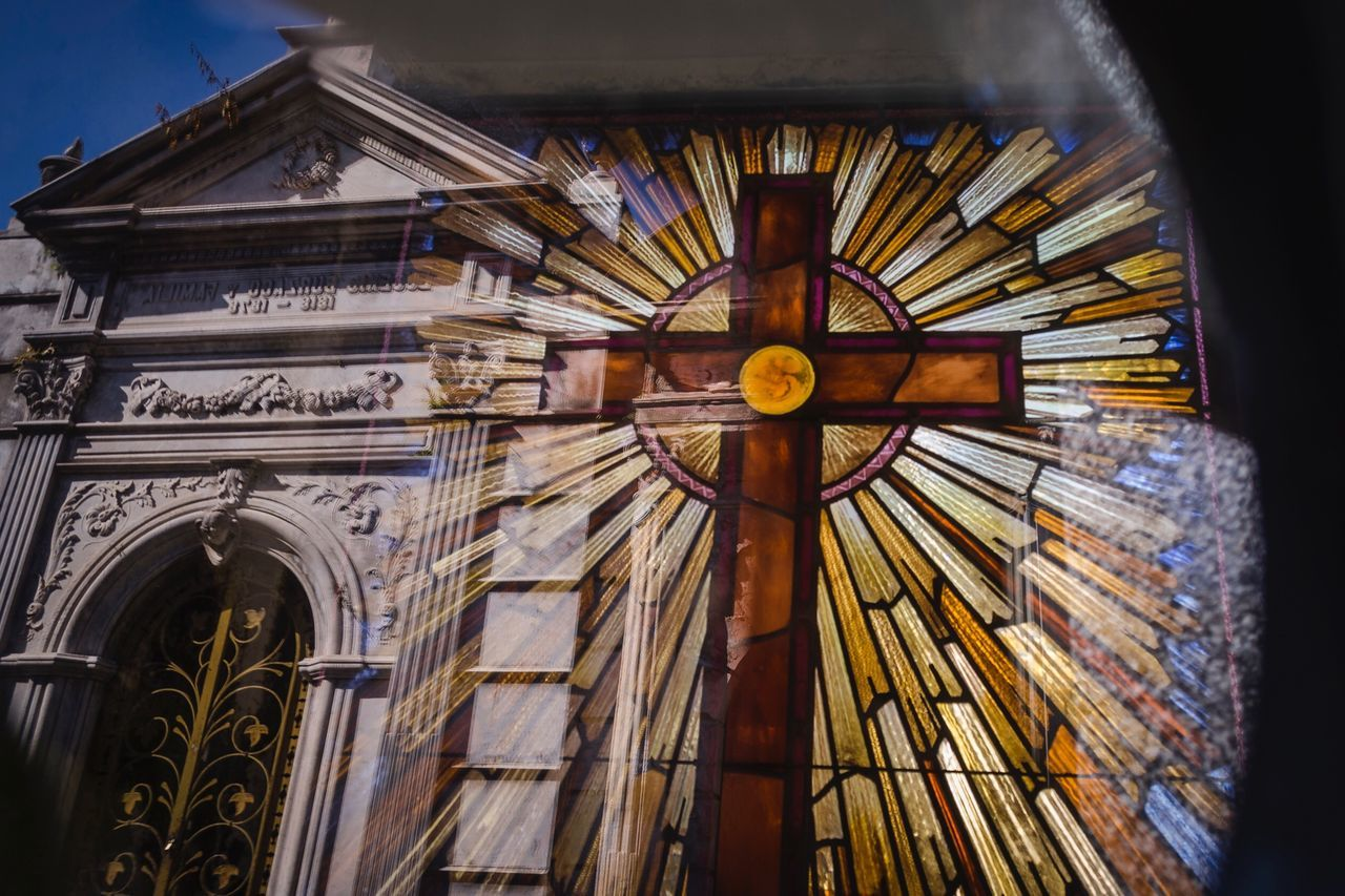 Low Angle View Built Structure Architecture Building Exterior No People Place Of Worship Day Rose Window Outdoors Clock Religion Religious Architecture Religious Art Religion And Tradition Jesus