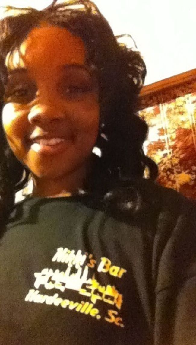 """WoRk WORK..Cum Cee Me!! I I Be The At The BAR :)) Bartender <3 NikKis NikKis """"Tha SpOt"""""""