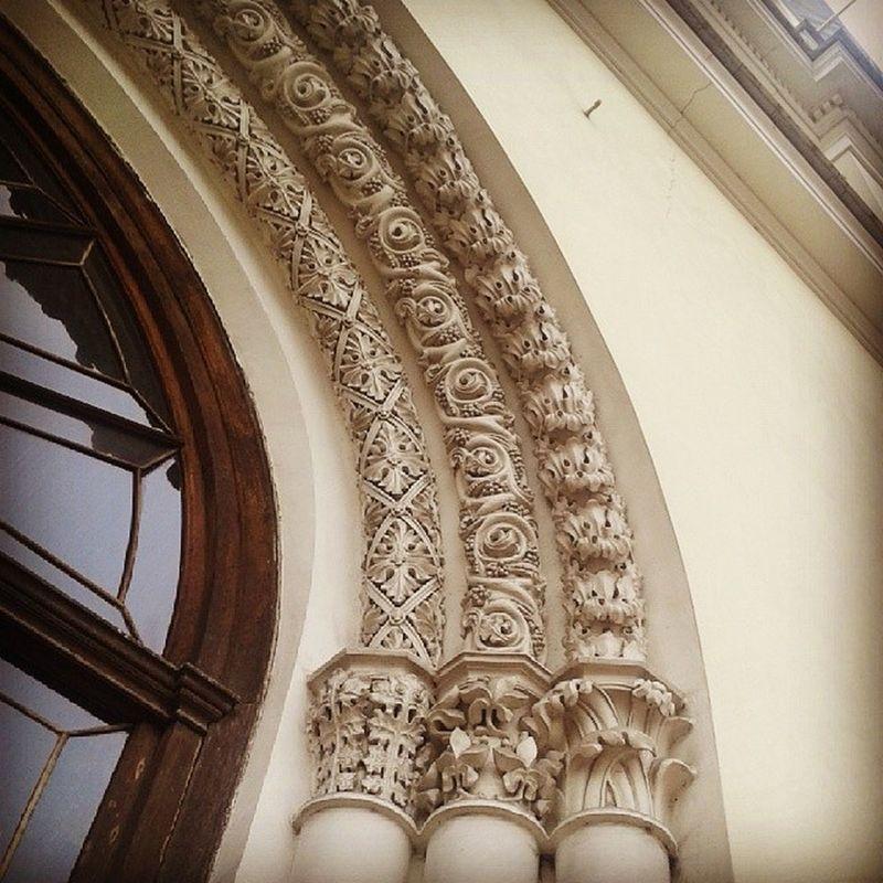 Ажур и кружево вокруг дверей Евангелистско-Лютеранской церкви Питер кружево Церковь архитектура барельеф