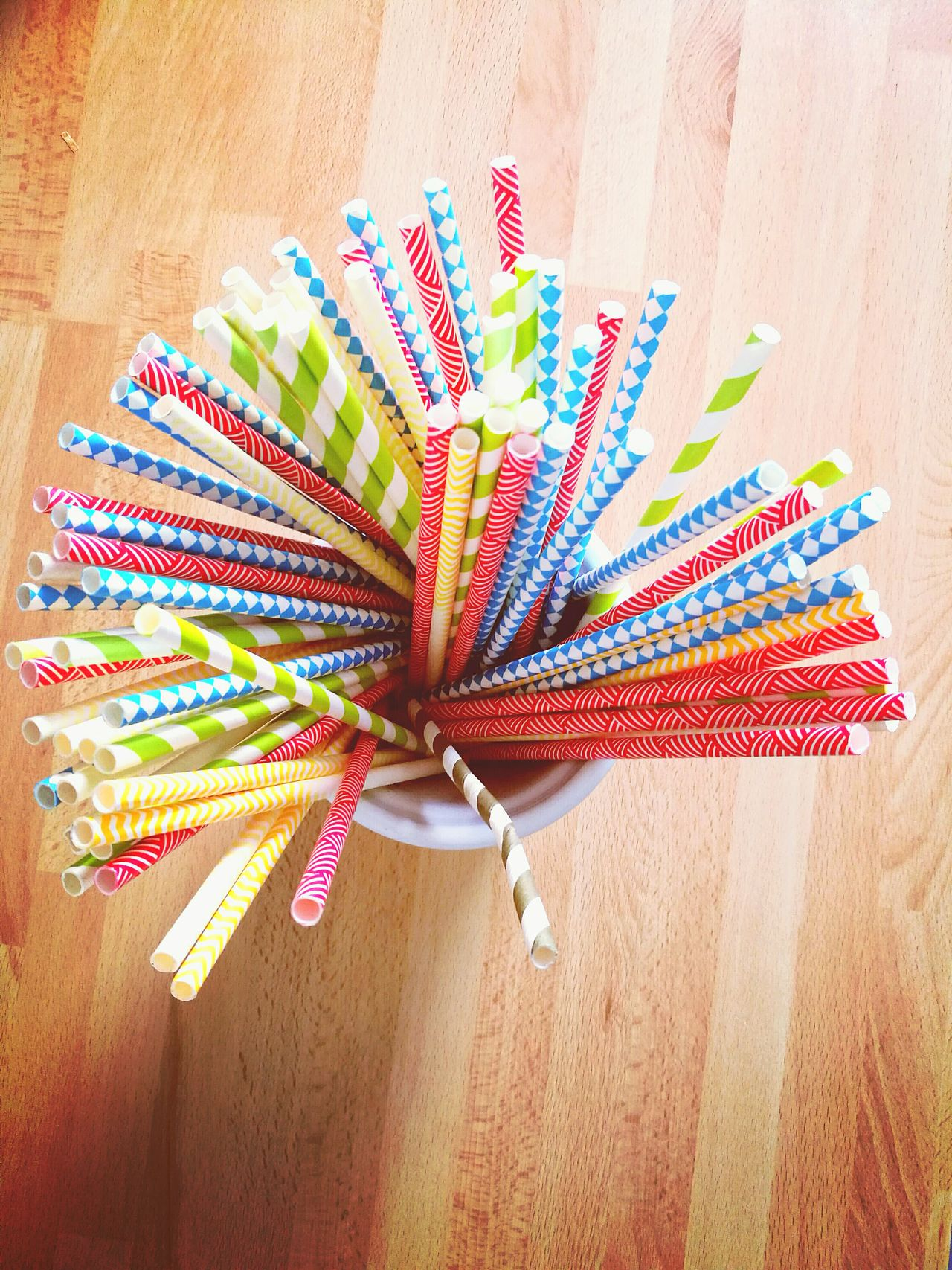 Straw France 🇫🇷 Multi Colored Chitcken Love Design Cocktails🍹 Happy :) Decoration Home Happiness ♡ Food And Drink Sun Colors Red Blue Green Yellow Red Blue Green Fun Inside House Bretagne