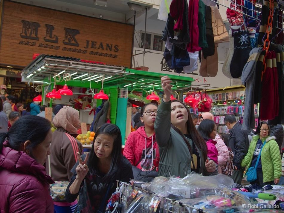 City DSLR Dslrphotography Hong Kong Outdoors Pentax People Street Market Streetphotography Women Street Real People